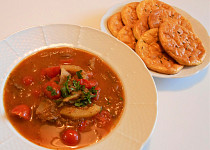Zeleninová gulášovka a ZV pečivo  (Dělená strava podle LK - Zvířata)