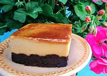"""""""Chocoflan""""- jemný dezert s karamelizovaným cukrem a čokoládovým piškotem"""