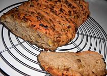 Trhací chlebík česneko-houbový  (Dělená strava podle LK - kytičky+zelenina)