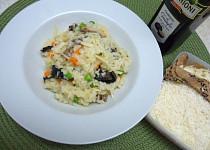 Houbové rizoto s mrkví a hráškem