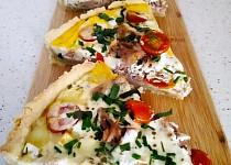 Slaný koláč s tuňákem a rajčátky