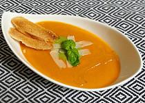 Jemný zeleninový krém s rajčaty