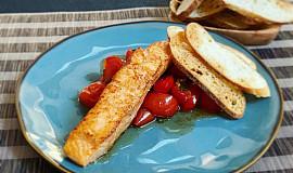 Losos s pečenými rajčátky