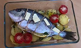 Pražma s citrónem, šalvějí a pečeným bramborem