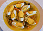Čínská, sladkokyselopálivá polévka, tentokrát s cudlemi (místo zelí) a vařenými vejci. Cudle=cuketa nakrouhaná do podoby nudlí.