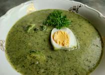 Mangoldová polévka s kadeřávkem