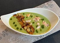 Zeleninový krém s trhaným lososem