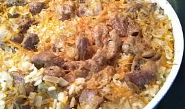 Vepřové maso s rýží v jednom pekáči