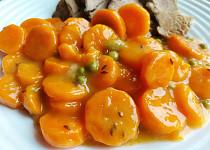 Zadělávaná mrkev s hráškem