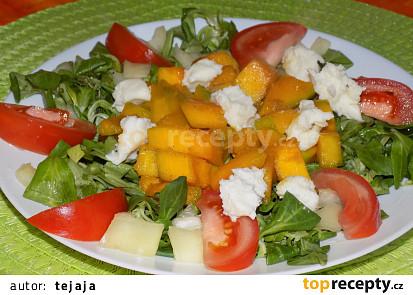 Zeleninový salát s brynzou a dýní