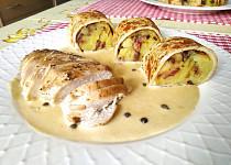 Kuřecí prso a šťouchané brambory v pikantní palačince