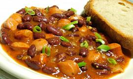 Trenčiansky párek s fazolí po domácku