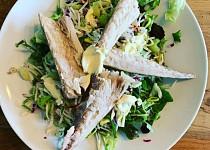 Salát s makrelou