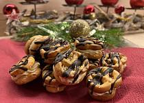Bezlepkové preclíky s arašídovým krémem
