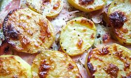 Zapečené brambory s kysaným  zelím