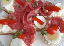 Pomazánka ze sýru s modrou plísní (z Nivy apod.)