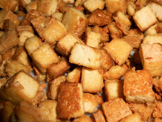 opečené uzené tofu
