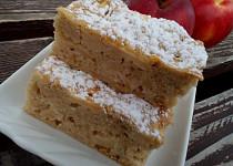 Šťavnatý fofr koláč (buchta) plný jablek