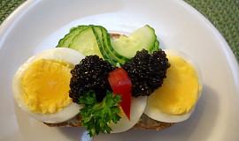 Retro chlebíčky s vejci a kaviárem