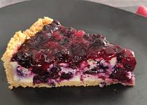 Tvarohový koláč s bobulovým ovocem - cheesecake