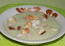 Brokolicová polévka z uzeného vývaru