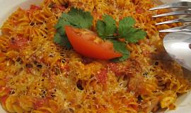 Zapékané těstoviny s tuňákem a rajčaty