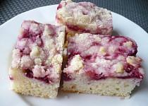 Rybízový  koláč s drobenkou