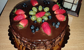 Čokoládový dort s čokoládovou náplní