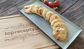 Tvarohové sušenky s jahodami a kousky bílé čokolády
