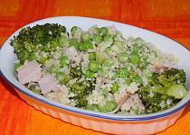 Kuskusový salát s hráškem a brokolicí