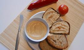 Cizrnový fofr hummus s tofu  (Dělená strava podle LK - Kytičky)