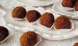 Perníkové kuličky s ořechy