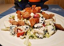 Ledový salát s Nivou a krutonky