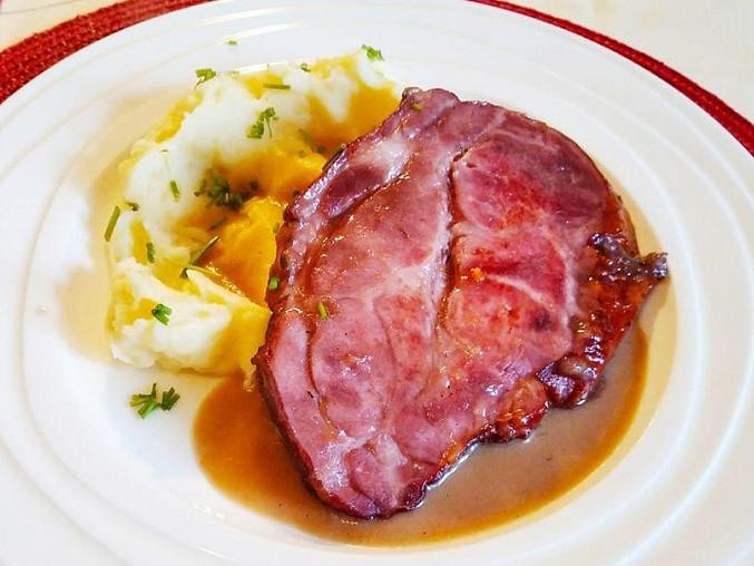 Uzená krkovička pečená na tymiánu a zelenině, Uzená krkovička pečená na tymiánu a zelenině