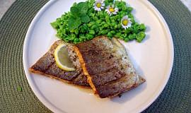 Filety lososovitého pstruha s mátovým hráškem