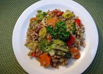 Pohanka se směsí restované zeleniny