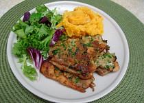 Sumeček v bylinkové krustě a bramborovo-mrkvové pyré