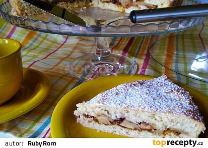 Bramborový koláč s jablky a ořechy