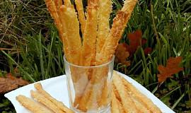 Křehké sýrové tyčky