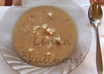 Žmolková polévka s petrželkou
