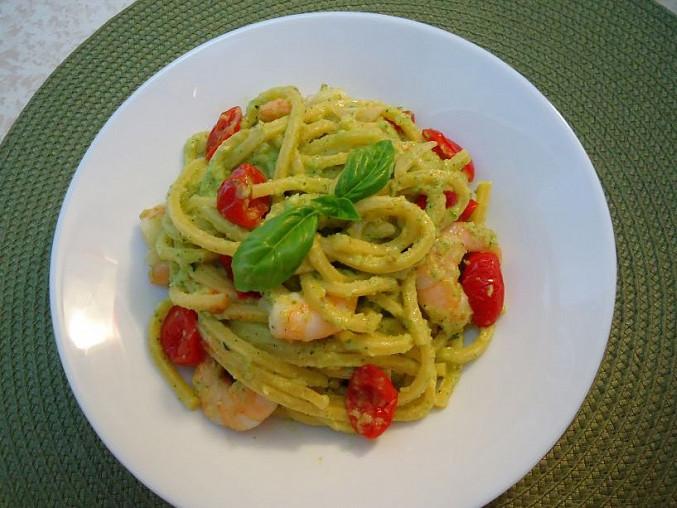Bigoli nebo špagety s cuketovým pestem