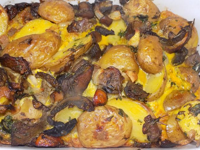 Brambory s houbami