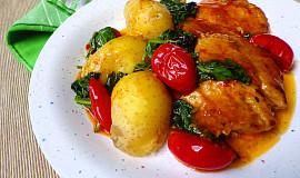 Kotlety s baby špenátem a rajčaty