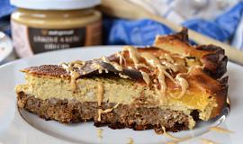 Bezlepkový koláč s broskvemi a pudinkem
