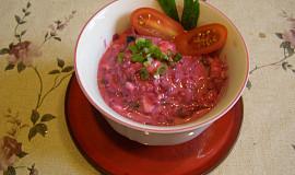 Salát z červené řepy salátové