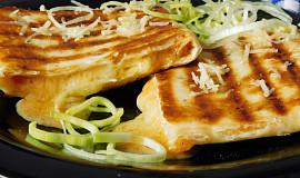 Grilovaná tortilla se sýrem