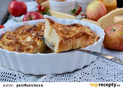 Jablkové šneky z kynutého těsta