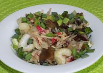 Houbový salát s řapíkatým  celerem