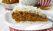 Hrníčkový mrkvový koláč s jogurtovou polevou