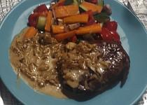 Jednoduchá cibulová omáčka ke steaku